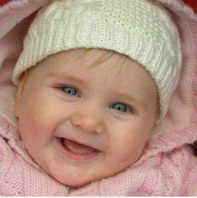 gülen bebek fotoğrafları