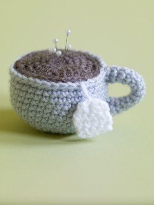 çay fincanı figürlü iğnedenlik modeli