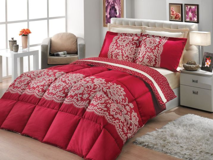 çok hoş kırmızı desenli uyku seti çeşitleri