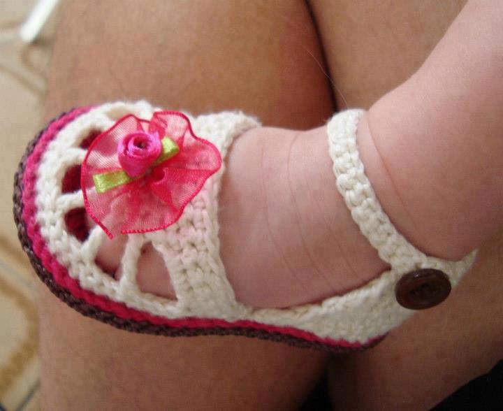 Yazlık şık bebek patik modelleri