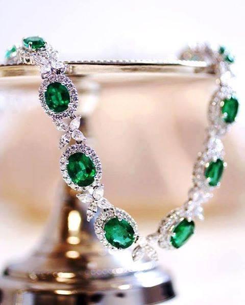 açık yeşil taşlı kolye çeşitleri