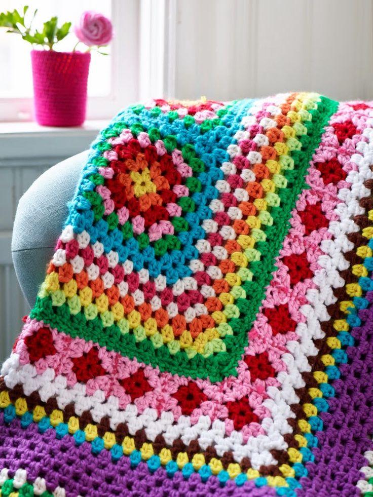farklı motifli renkli örgü battaniye modeli