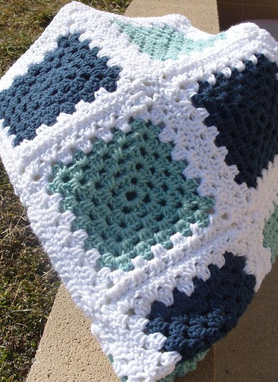 gri laci örgü battaniye modeli
