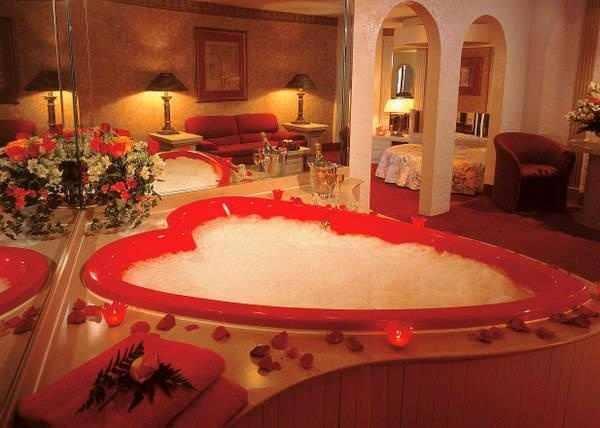 kalpli şık romantik banyo çeşitleri
