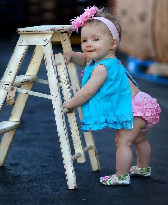 mavi fırfırlı bebek elbisesi modelleri