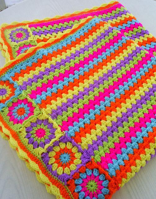 motifli çizgili örgü battaniye modeli