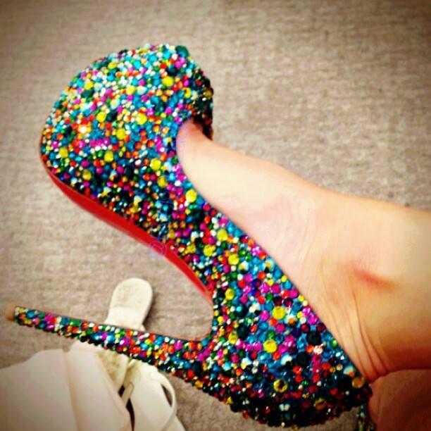 rengarenk taşlı bayan ayakkabı modelleri