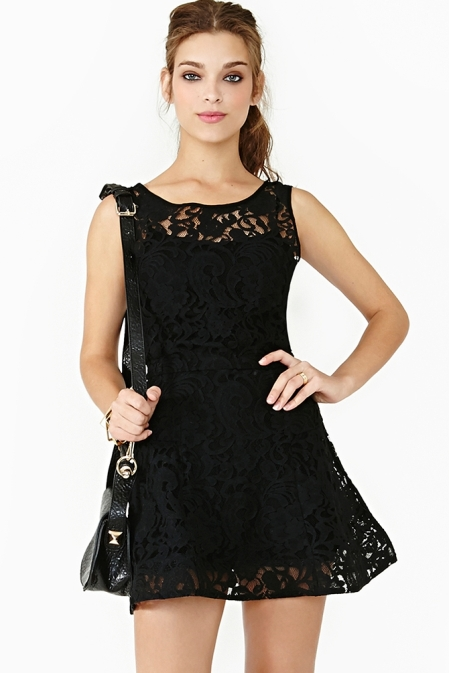 siyah dantelli mini siyah abiye modelleri