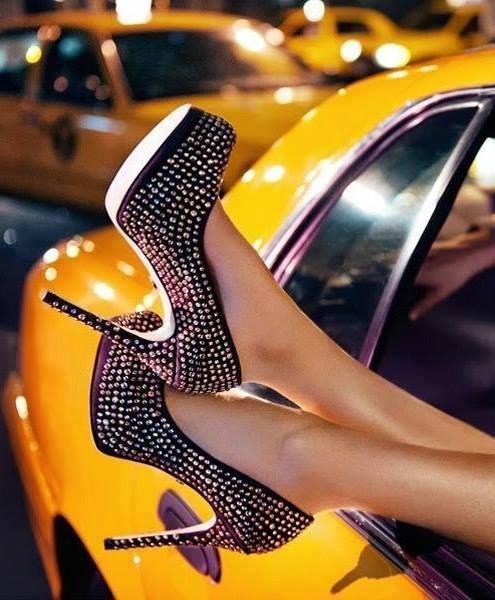 siyah taşlı bayan ayakkabı modelleri