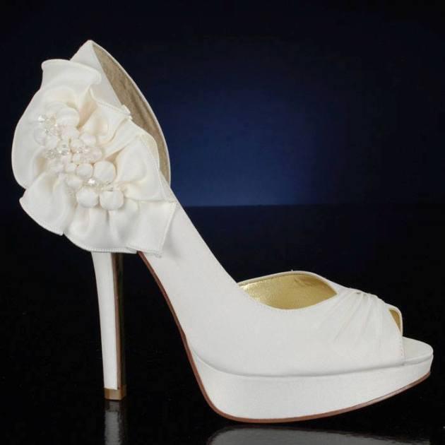 yeni trend gelin ayakkabı çeşitleri
