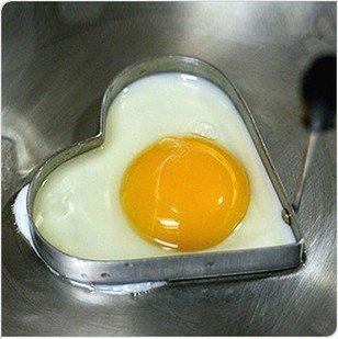 çelik kalp figürlü hoş yumurta pişirme modası