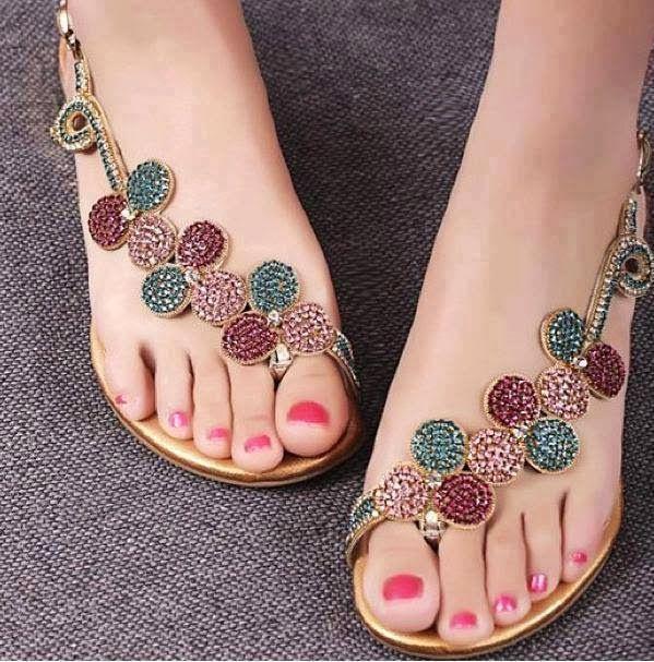 çiçek motifli taşlı yazlık ayakkabı çeşitleri