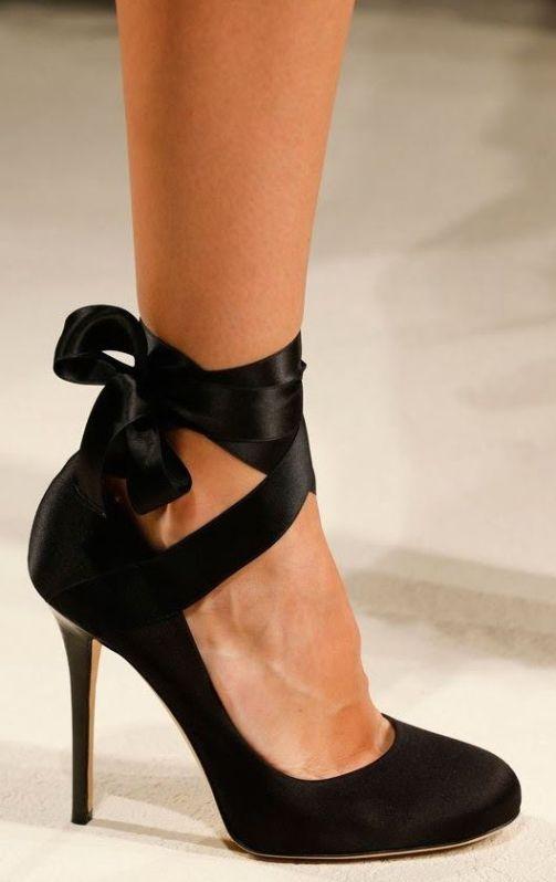 çok şık siyah kurdeleli ayakkabı çeşitleri