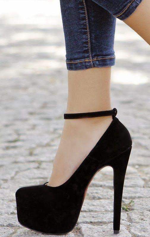 çok sade ve naturel siyah ayakkabı stilleri