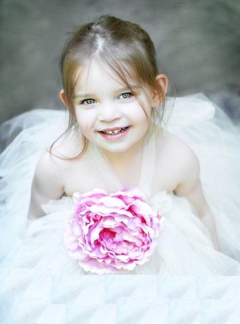 önü pembe çiçekli kız bebek gelinlikleri