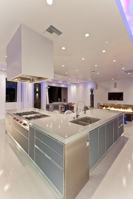 LED ışık döşenmiş şık mutfak dizayn modası