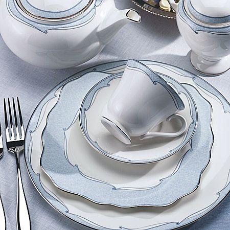 açık mavi desenli harika porselen yemek takımı çeşitleri