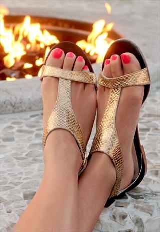 altın renginde modern yazlık ayakkabı modelleri