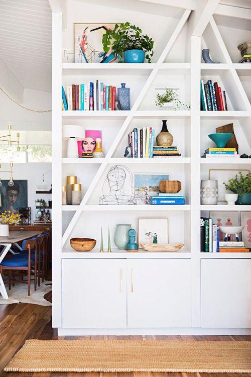 beyaz dekoratif kitaplık modası
