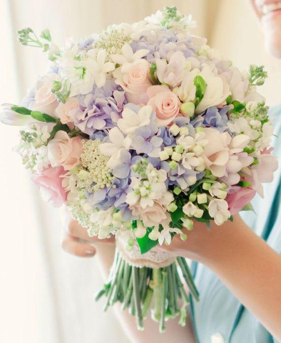 cıvıl cıvıl renklerde  harika gelin çiçeği demetleri