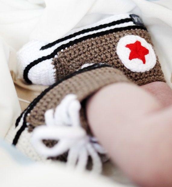 converse görünümlü modern bebek patik tasarımları