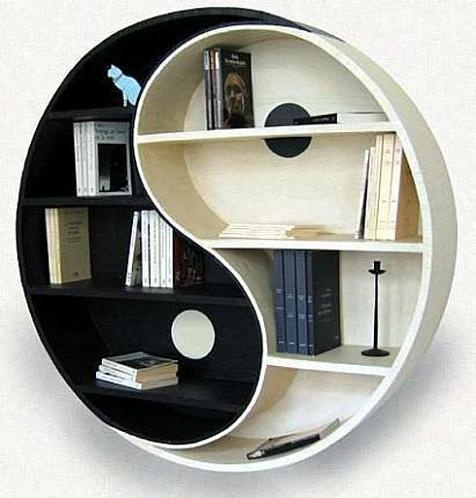 denge figürlü şık kitaplık tasarımları
