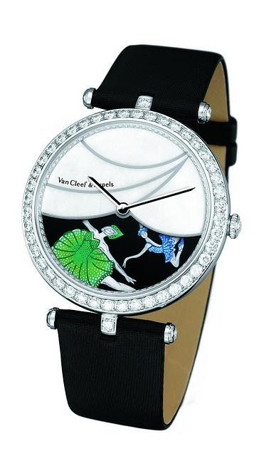 kadın figürlü çok şık bayan saat tasarımı