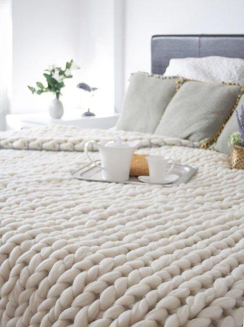 kalın örgülü krem tonda battaniye modası