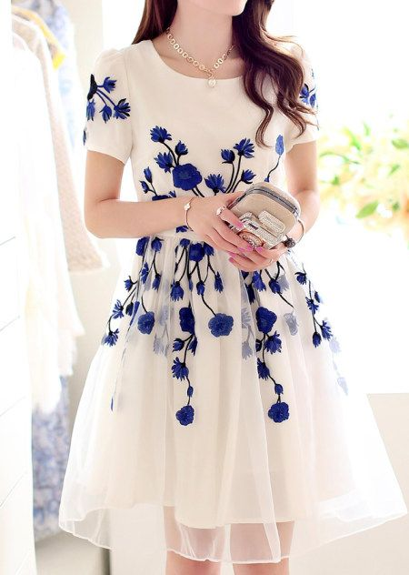 mavi çiçek desenli şık yazlık elbise örnekleri