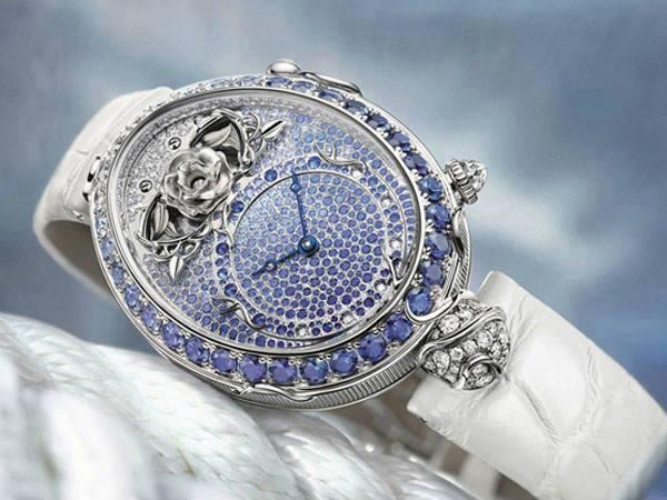 mavi swarowski taşla süslenmiş bayan saatleri
