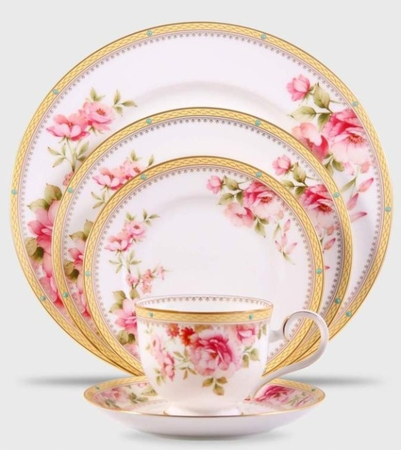 pembe gül desenli şık porselen yemek takımı stilleri