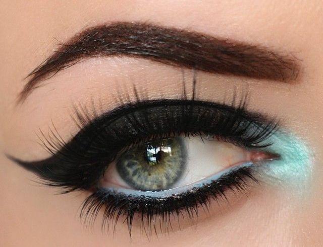 turkuaz renkte şık göz makyajları