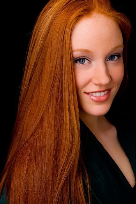 uzun modern açık bakır kızılı saç modası