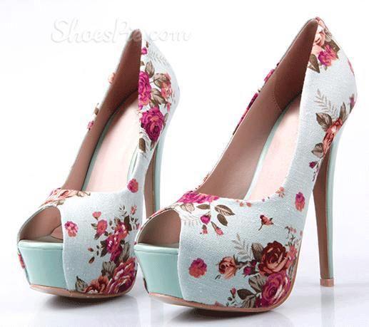 yazlık hoş gül desenli platform ayakkabı tasarımı