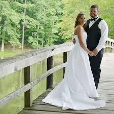 Eşinin mutluluğu için tekrar düğün yapıyor