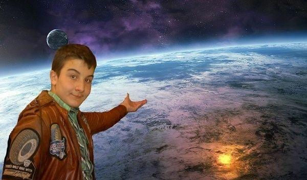 Uzayda bir genç temalı çalışma