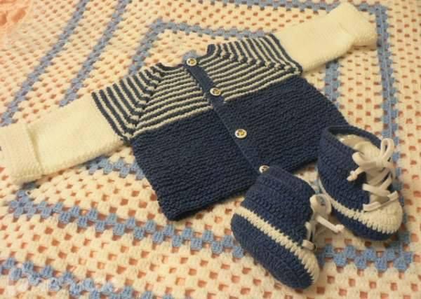Bebekler için örgü patik ve hırka modelleri
