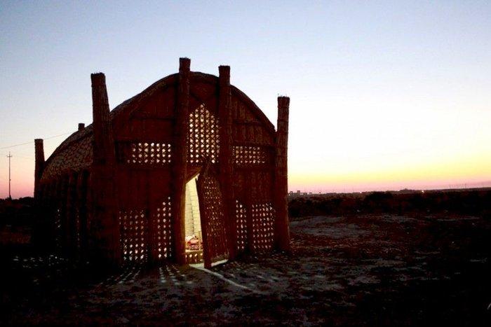 Bataklık arapları evlerinin inşaası