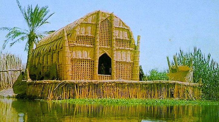 Bataklık araplarının evleri suda yüzüyor