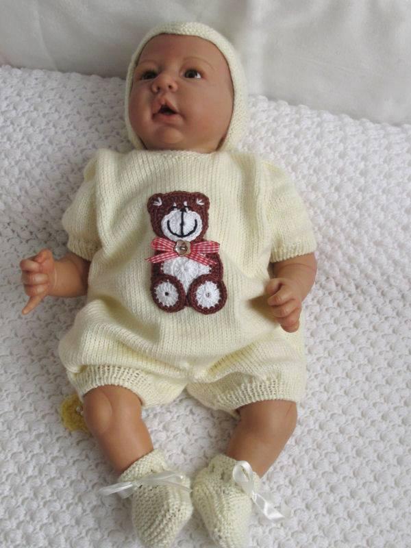 Bebekler için kapüşonlu tulum ve patik modelleri