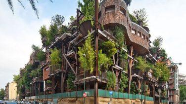 Şehrin Ortasında Ama Şehre İnat Bir Apartman