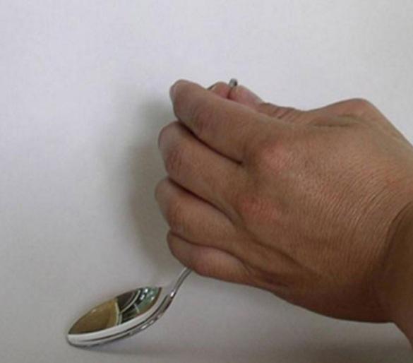 9 Metal kaşık bükme numarası