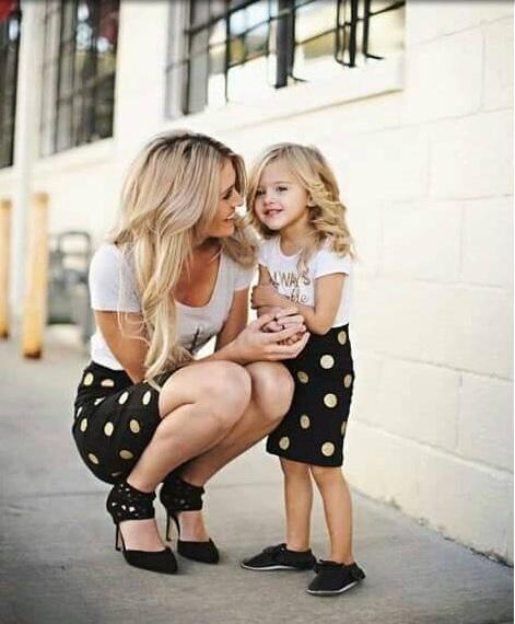 Anne ve kızın günlük şık kombinleri