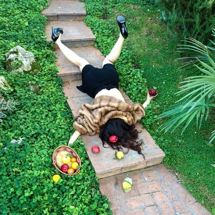 Meyve sepeti ile düşen talihsiz kadın