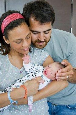 2 defne joy ve ailesi