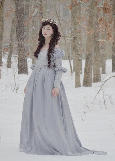 avrupa tarihi bayan kostümü eski