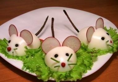 turp ve yumurta ile tabak süsleme